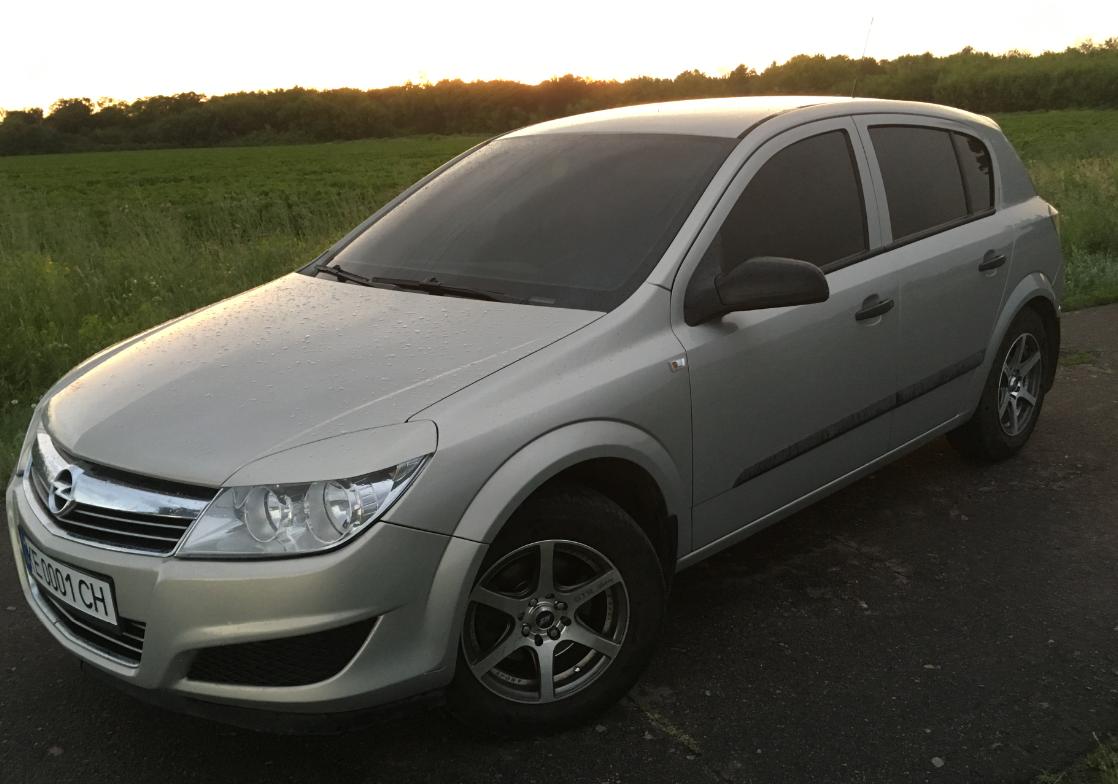 Блок предохранителей и реле Opel Astra H, их назначение и описание