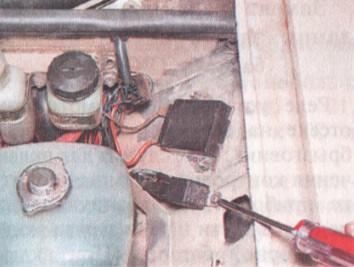 Замена реле включения вентилятора радиатора системы охлаждения ВАЗ 2106 (90.3747-10 или 113.3747-10)