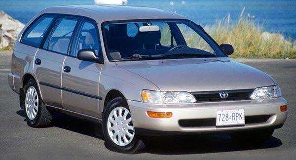 Блок предохранителей и реле Toyota Corolla 100